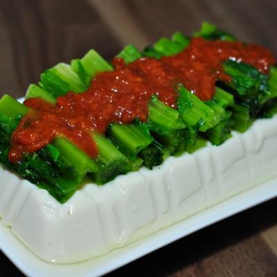 豆腐莴笋叶