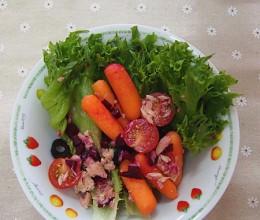 金枪鱼罐头甜菜头沙拉