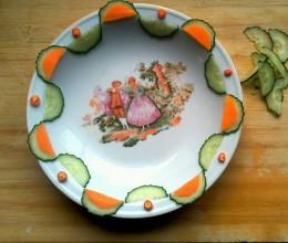 黄瓜摆盘装饰(水果拼盘)