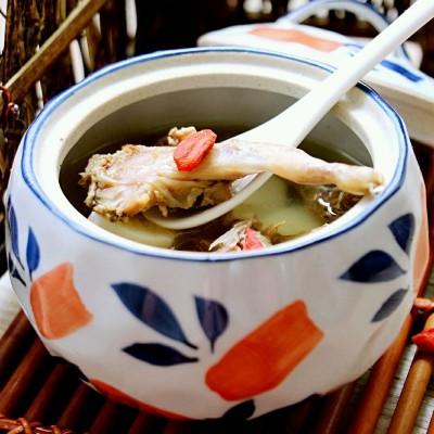 养颜清润鹌鹑汤