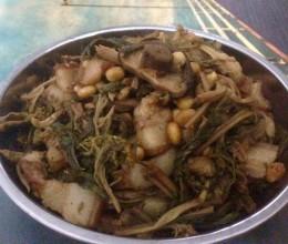 五花肉煲菜干黄豆