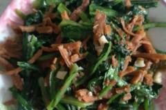 油麦菜炒酥鱼