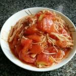 西红柿煮金针菇