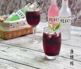 蓝莓鸡尾酒