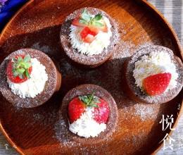 杯子草莓奶油蛋糕