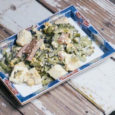 苦瓜炒豆腐|美食台
