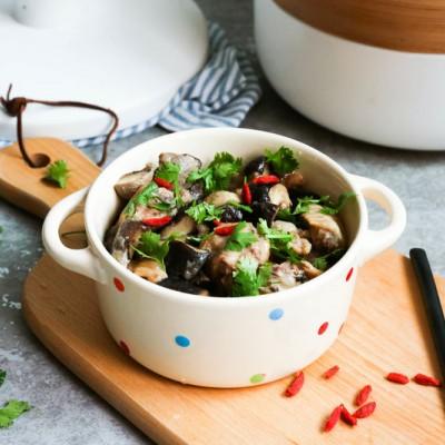 双菇蒸鸡--简单好做的快手蒸菜#豆果魔兽季联盟#