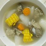 排骨萝卜玉米汤