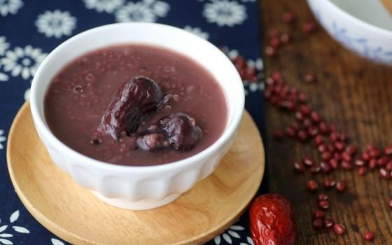 秋季养生紫米红枣粥