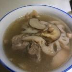 莲藕松茸排骨汤