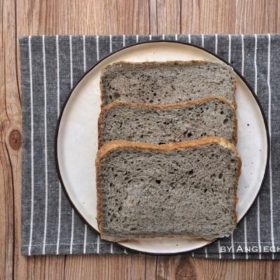 松软的黑芝麻面包(松下面包机)