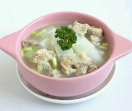 白萝卜龙筒骨汤