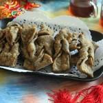 新春盛宴——【麻香海藻炸排叉—配滇红茶的待客茶点】