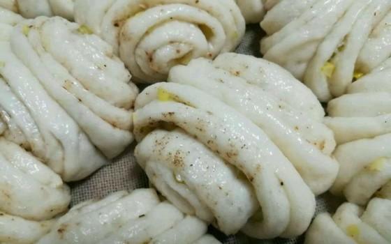 香葱椒盐花卷