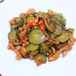黄瓜炒肉丝—迷迭香