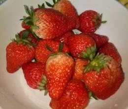 小苏打洗草莓