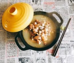 莲子炖鸡汤