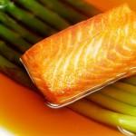 三文鱼清汤浸芦笋