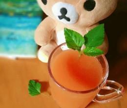 鲜榨胡萝卜苹果汁