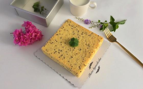8寸方形黑芝麻戚风蛋糕