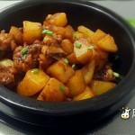 鸡翅根配土豆