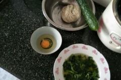 青菜鸡蛋黄瓜面