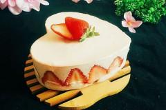 草莓慕斯蛋糕(心形)