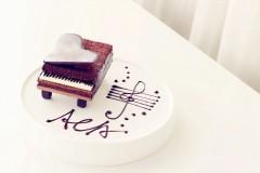 可可钢琴蛋糕