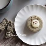松软的龙猫蒸蛋糕