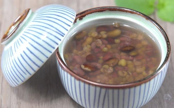 三伏天喝快煮三豆汤,祛湿解暑