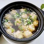砂锅苦瓜汆汤丸子