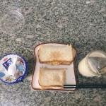 减脂早餐:煎蛋面包✖️奶萃咖啡