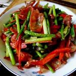 红椒蒜苗炒香肠