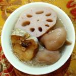 莲藕柴鱼猪脚汤