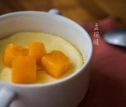 椰香芒果炖蛋