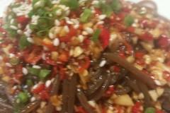 酸辣蕨根粉。