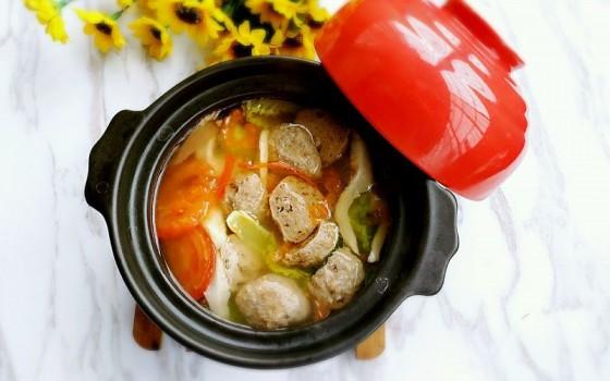 西红柿蔬菜丸子汤
