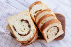 中种葡萄干面包