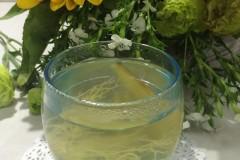 葱须姜片水