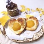 黄桃椰蓉心形面包