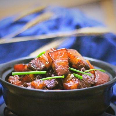 梁教你传统手法制作红烧肉