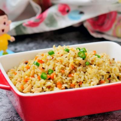 香菇鸡丁胡萝卜蛋炒饭