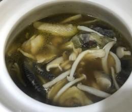 白玉菇炖鸡汤