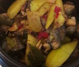 云南菜~砂锅黄焖鸡