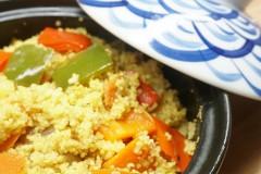 蔬菜蒸粗麦粉