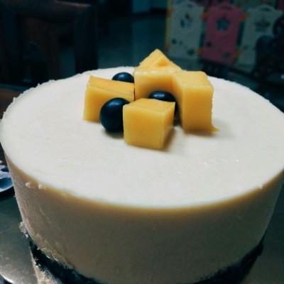 6寸牛奶芒果慕斯蛋糕