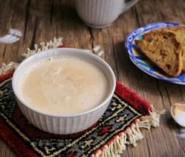 新疆咸奶茶(附巴旦木脆饼)