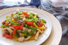 彩椒牛肉炒蘑菇