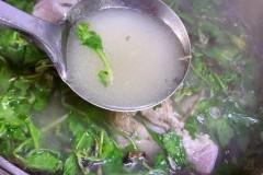 蒲公英炖骨头汤