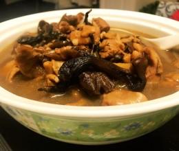 『小鸡炖蘑菇』东北名菜